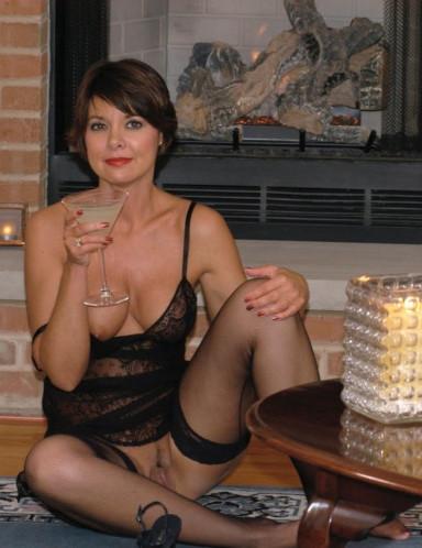 Eliane une maman chaude de Bayonne pour un jeune mec baise cougar